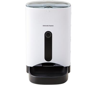 白と黒の清潔感のある給餌器カリカリマシーンSP(正面)